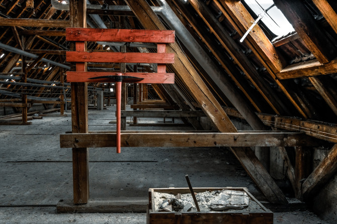 Eliteinternat Ballenstedt Dachboden II © Bernd Wonde