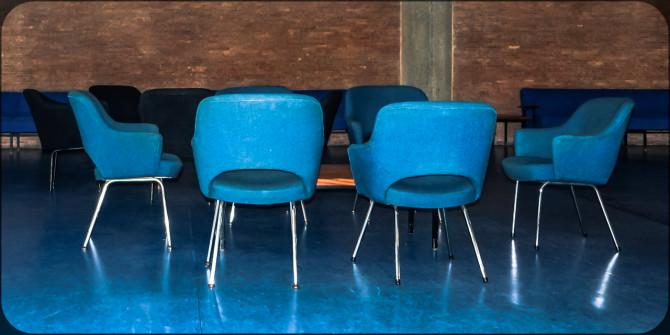 Haus der Kulturen der Welt innen Stuhlgruppe II © Bernd Wonde