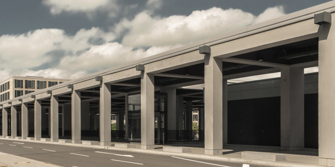 Flughafen BER Laubengang II © Bernd Wonde