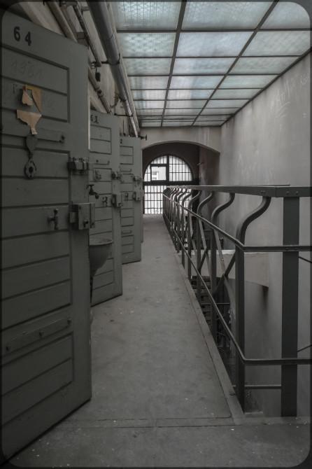 JVA-Köpenick Innenansicht offene Türen I © Bernd Wonde