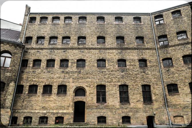 Köpenick Außenansicht Gefängnis © Bernd Wonde