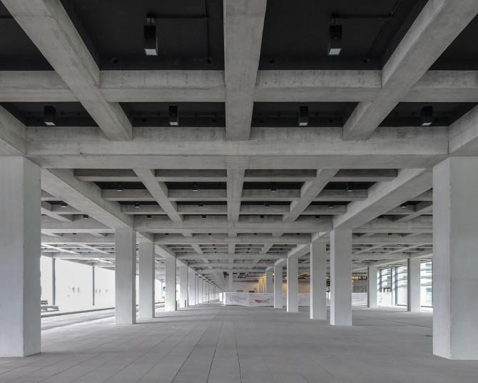 Flughafen BER Austragung Fussweg © Bernd Wonde