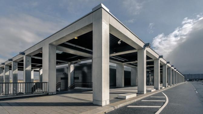 Flughafen BER Laubengang I © Bernd Wonde